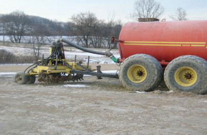 Figure 2: Complete one pass spreader system with aeration attachment