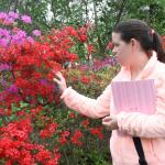 Amanda Bayer describes qualities of azalea