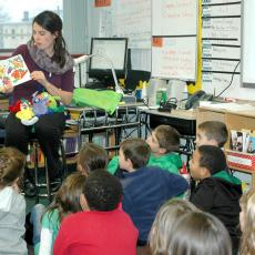 Boston educator reads nutrition book to classroom