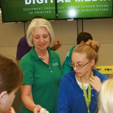 MA 4-H Foundation Executive Director, Laurie Flanagan, shares models