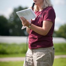 Ruth Hazzard relaying research data at Massachusetts Ag Field Day