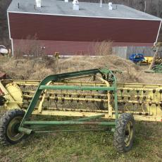 Side delivery rake for hay