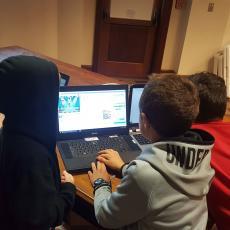 CS Teens Teaching Scratch
