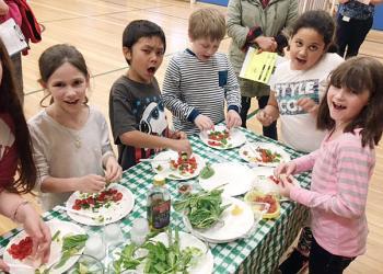 Hedge Elementary School-students make salsa