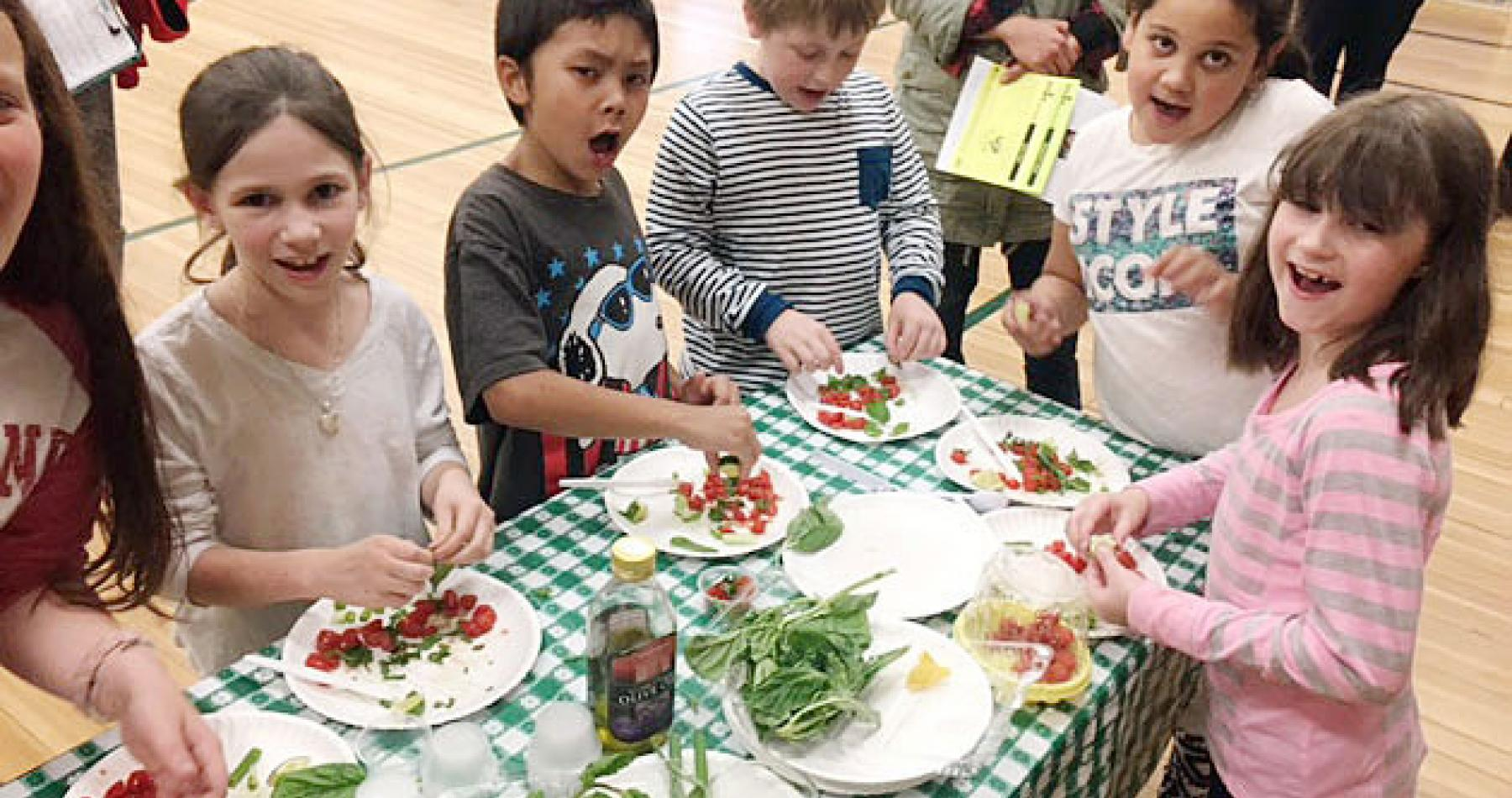 Hedge Elementary School-students make salsa