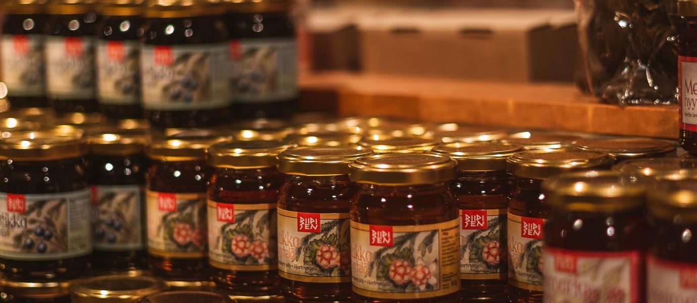 Jars of jam by Ilya Shishikhin on unsplash